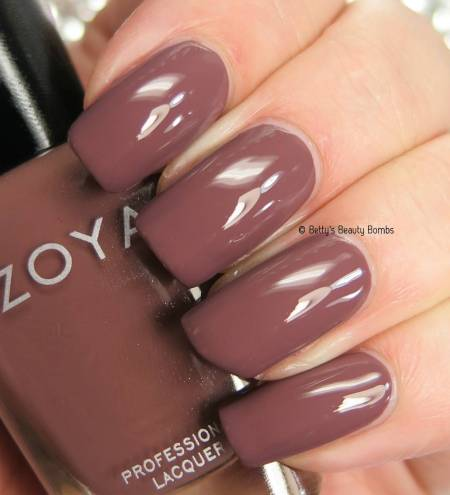 zoya-mary-swatch