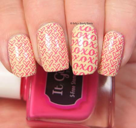 it-girl-coral-stamping-polish
