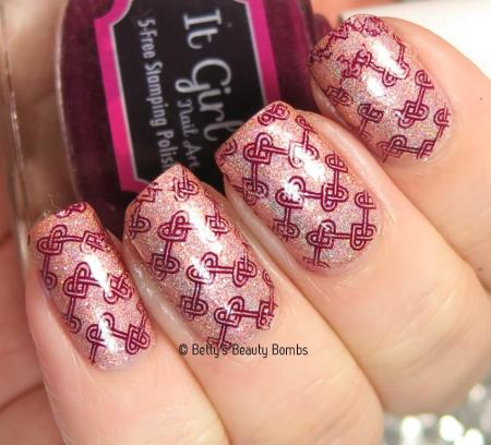 it-girl-currant-stamping-polish