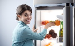 How to keep your fridge organized and Maximize Fridge Space Tips for the busy Jewish Mom. Frum Lifestyle blog.
