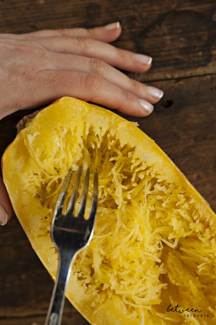 How to make spaghetti squash. Healthy kosher meatballs and spaghetti dinner by Renee Miuller on betweencarpools.com. A lifestyle blog for the frum Jewish Woman.