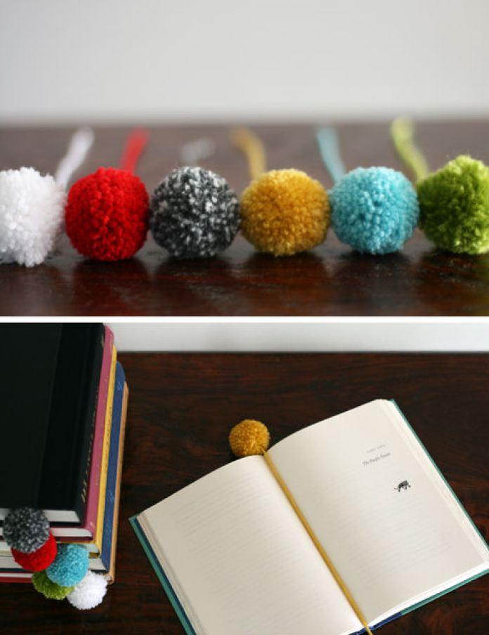 pom pom bookmarks DIY