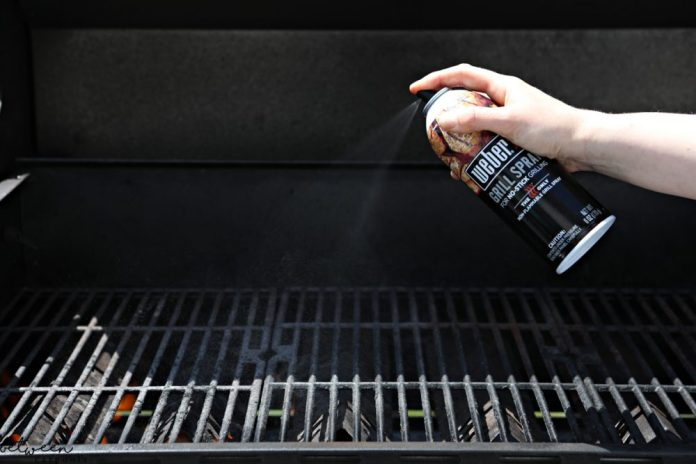 Best Grill Spray for the barbecue. Weber's Grill spray.