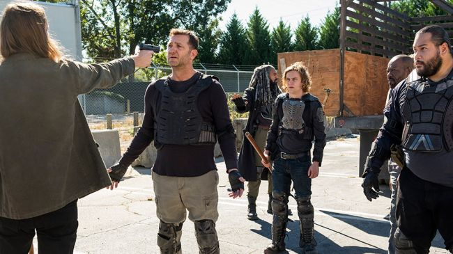 The Walking Dead - S7 ep 14 - Richard confronts the Saviors
