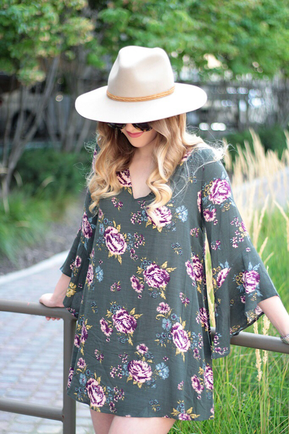 bell sleeve dress fashion blogger