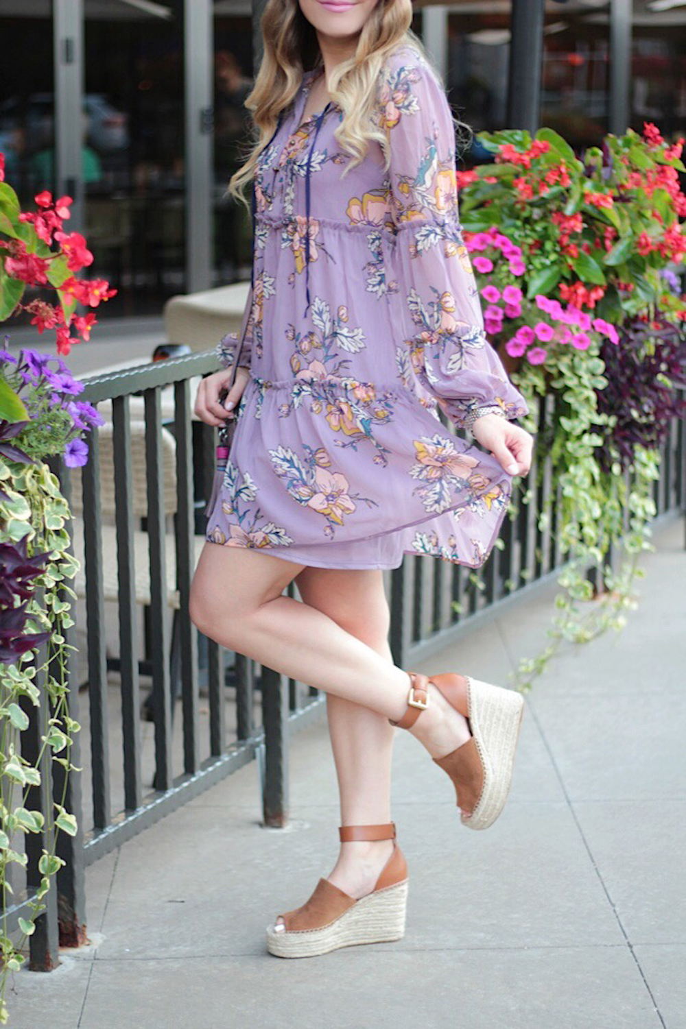 floral dress fashion blogger