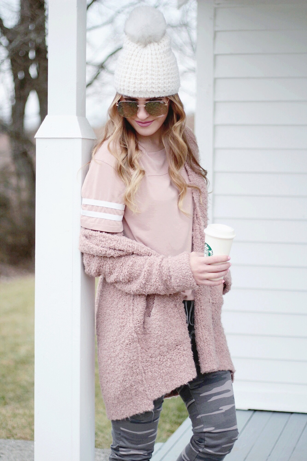 joggers and sweater fashion blogger rachel puccetti between two coasts