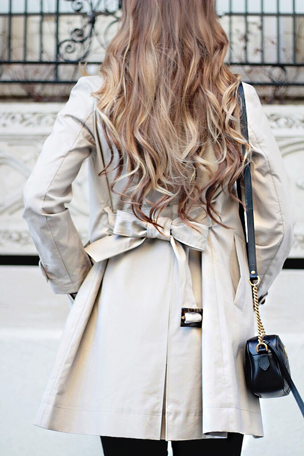 trench coat outfit ideas rachel puccetti between two coasts