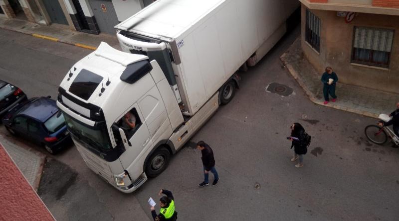 La Direcció General de Transport es compromet a la millora de la senyalització per a camions a Betxí