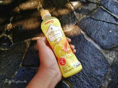 Lomba blog Natsbee Honey lemon