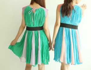 Contrast Color Pleated Empire Dress with Belt