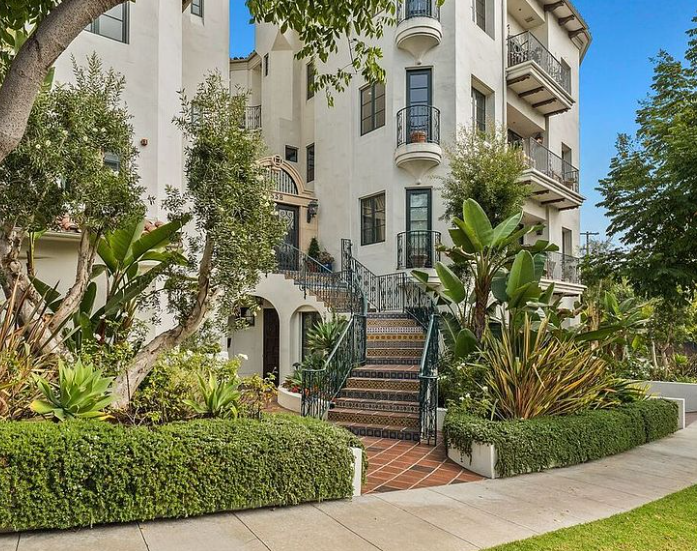 3 Bedroom Hillgreen Drive Beverly Hills Luxury Condo For Sale