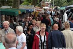 Drukte op Paardenmarkt in Oud IJsselmonde