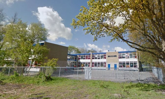 School het open venster verkeert in zeer slechte staat for Open venster rotterdam