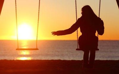 """Voksen kvinde: """"Min eneste ene er gift! Han elsker også mig, man kan ikke beslutte sig. Skal jeg vente på ham?"""""""