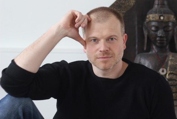 Parterapeut Holger Spanggaard med buddha