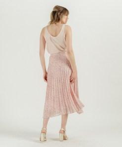 Jupe plissée rose de la collection Artlove été 2020.