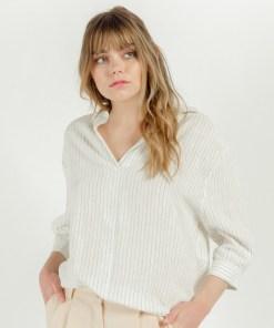 Chemise blanche fines rayures noires de la marque artlove.