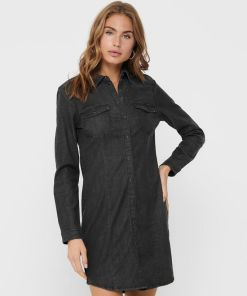 Robe chemise en jean marque Only.