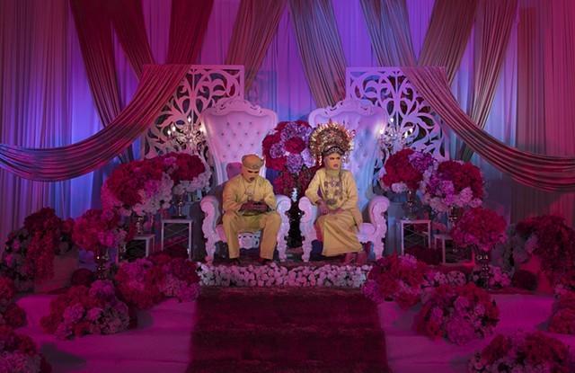 Wedding Series, des photos de mariage très guindées et perturbantes tirées par Abdul Abdullah