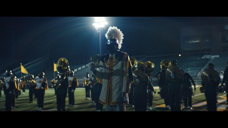 """Justice se paye la NSU Spartan Legion pour leur dernier clip """"Heavy Metal"""""""