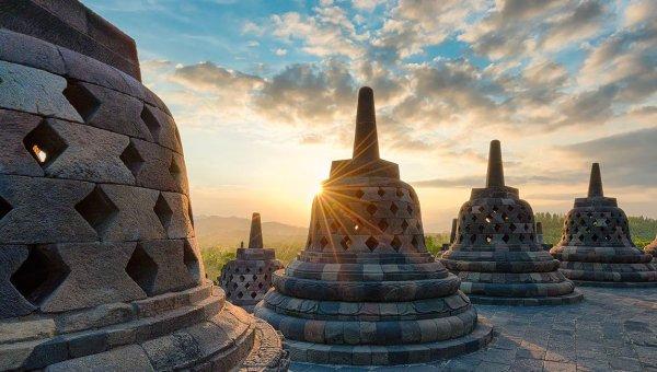 ボロブドゥール遺跡 プランバナン寺院一日ツアー