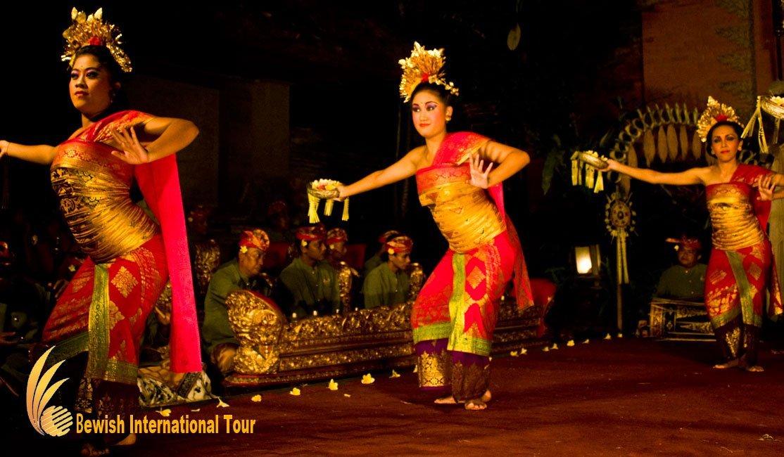 ウブドのバリ舞踊定期公演スケジュール