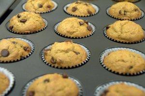 baked pumpkin chocolate chip muffins