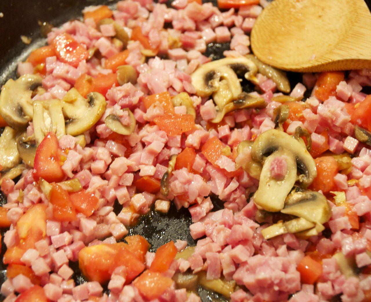 mushrooms, tomatoes, ham saute