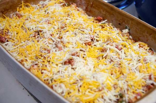Cheese topped Bubble Pizza Casserole