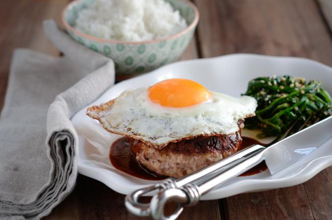 Serve hambak Steak with a fried egg on top enjoy the rich flavor.