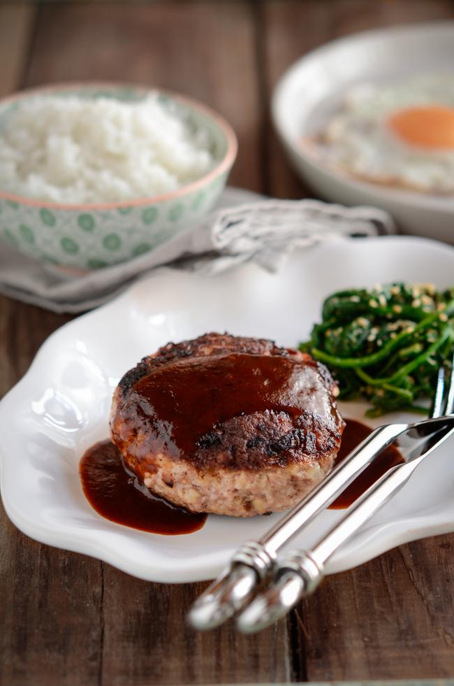 Hambak Steak is  Korean version of Salisbury steak enriched with red wine sauce.