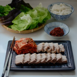 Bossam (Korean boiled pork)