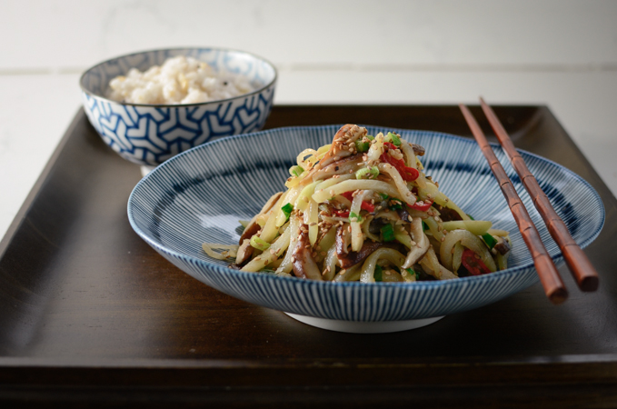 Chayote Mushroom Stir-fry is cooked with garlic and chili.