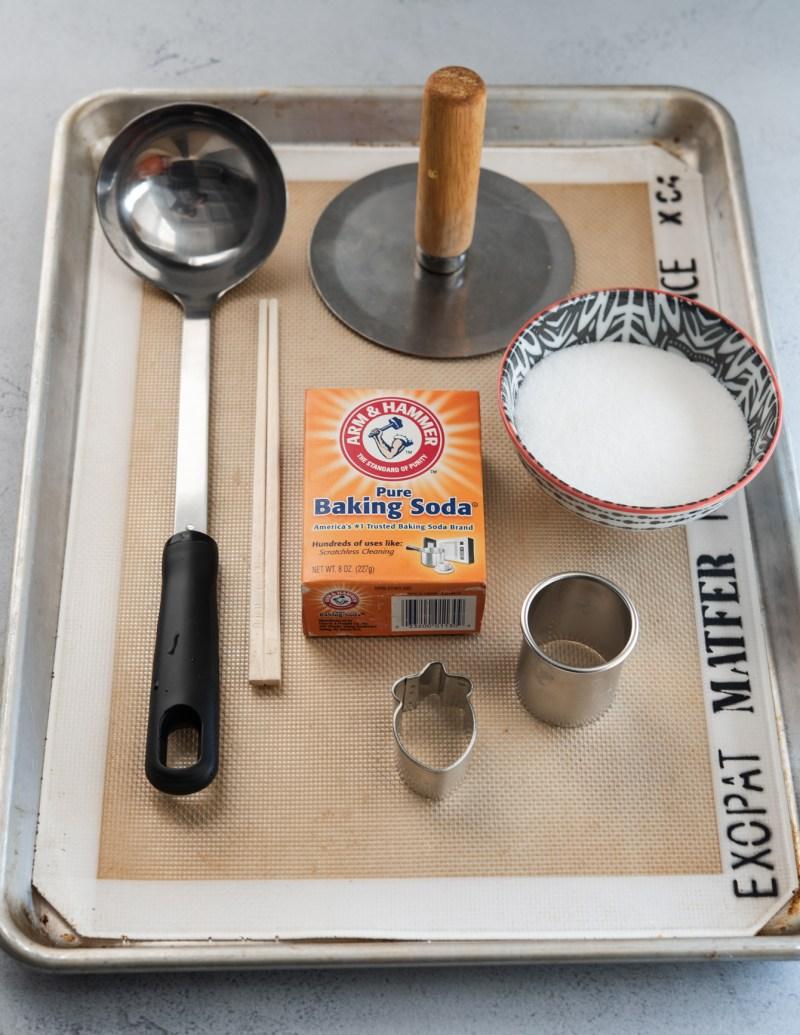Home found tool you need to make Korean sugar candy (Dalgona)