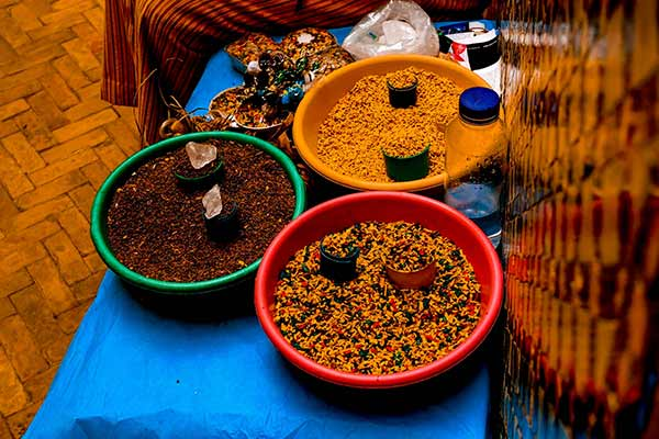 What to buy in Morocco, handcrafts in Fes and Morocco, spices in Morocco