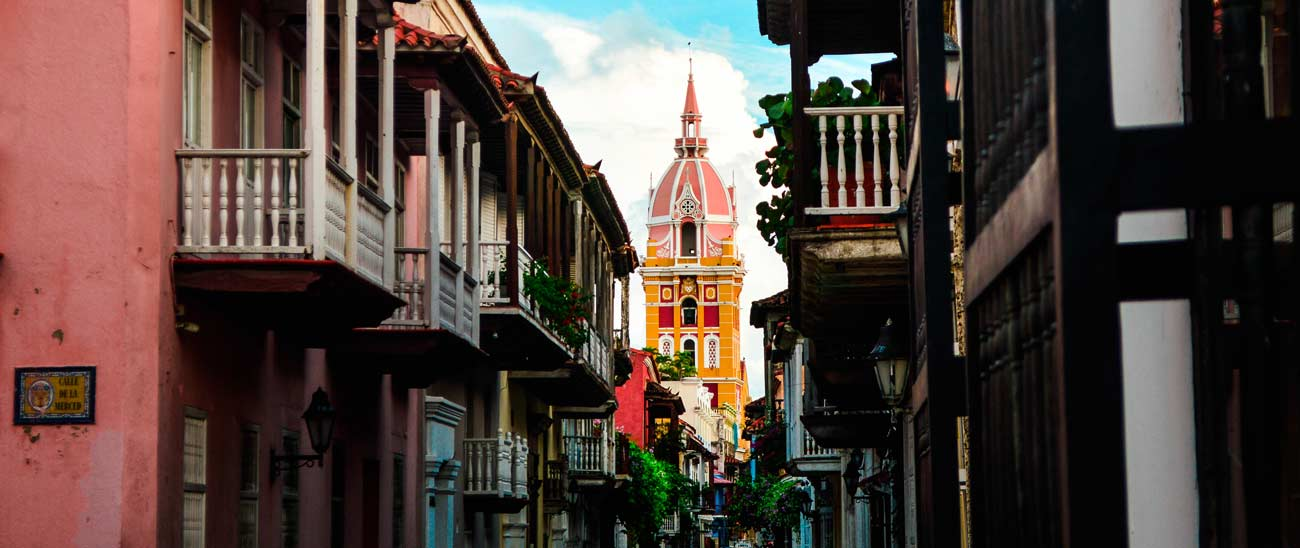 beautiful-cartagena-cathedral-colombia
