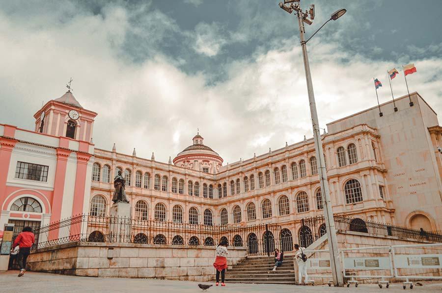 bolivar plaza bogota colombia