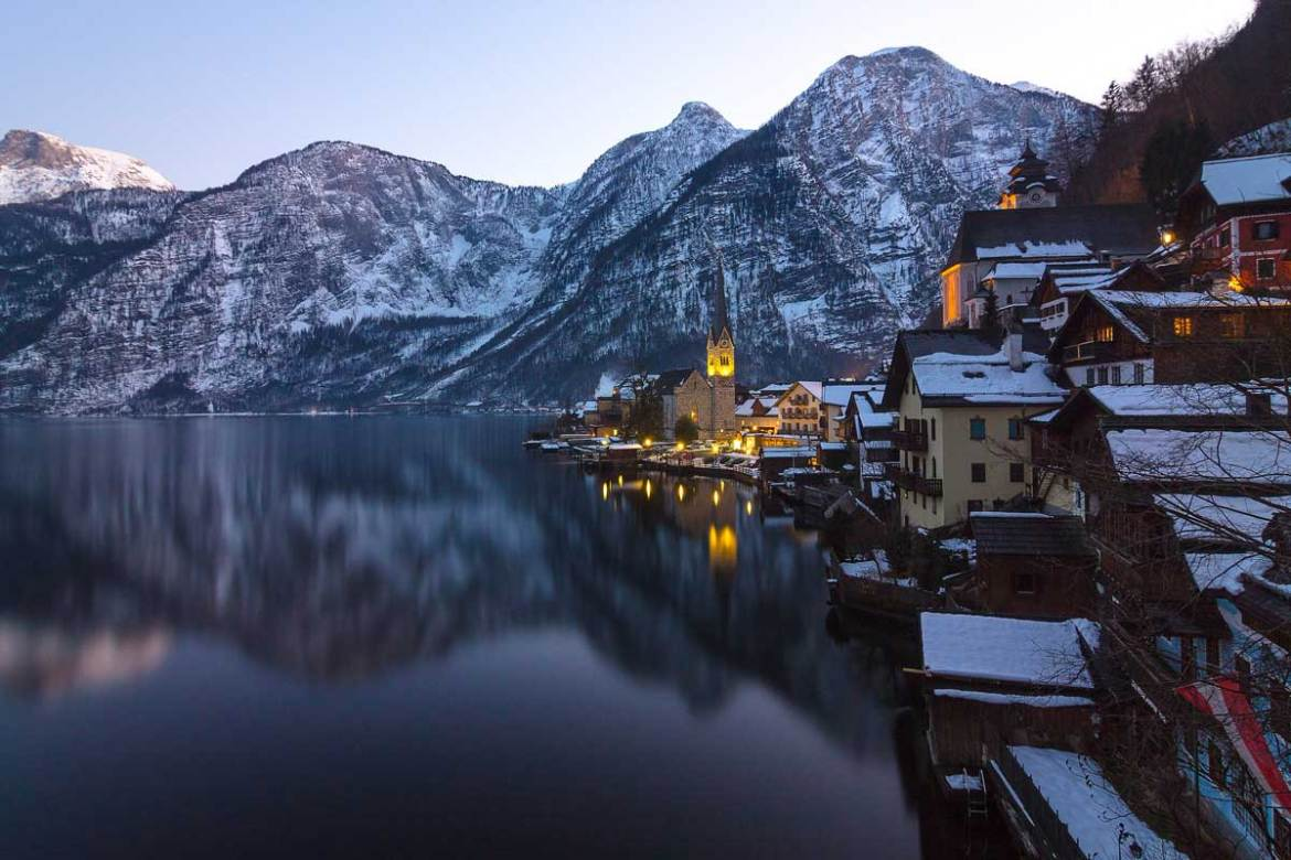 Hallstatt,-Austria-beautiful-winter