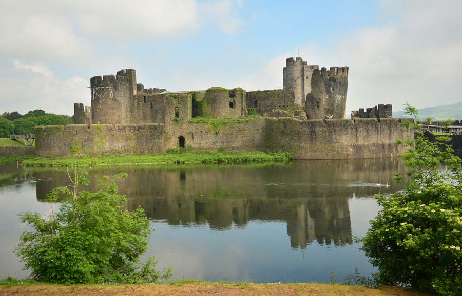 caerphilly-castle-wales-itinerary