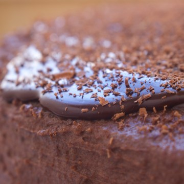 Paleo Date Sweetened Chocolate Frosting (AIP-Friendly)