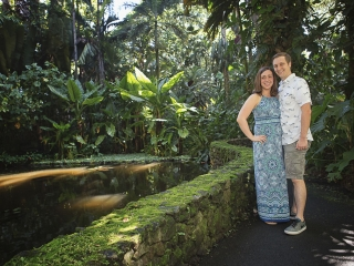 Hawaii Portrait couples photography couple near pond hawaii tropical botanical gardens