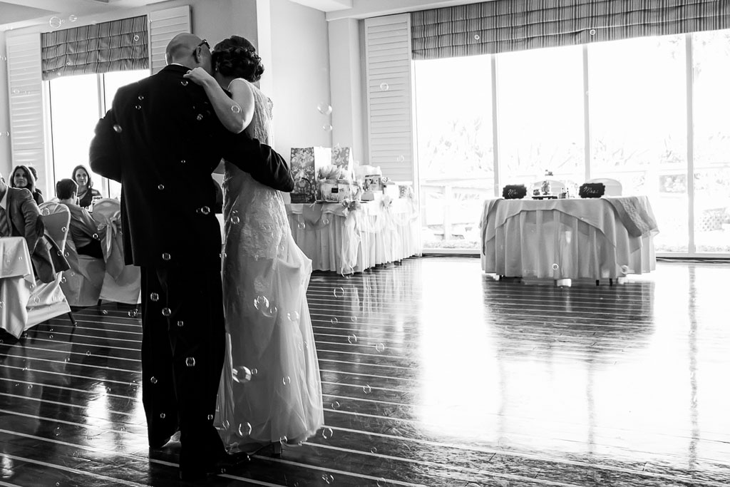 Hawaii wedding black and white first dance with bubbles
