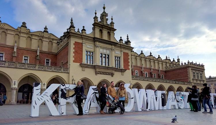 krakow lakenhal marktplein - Bezoek Krakau
