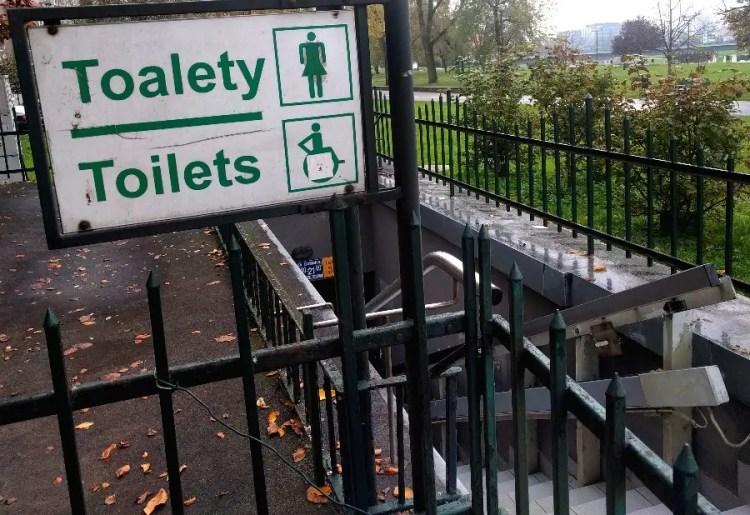rolstoel aangepast toilet op vakantie