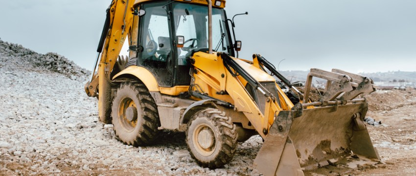 noncompete against a backhoe operator