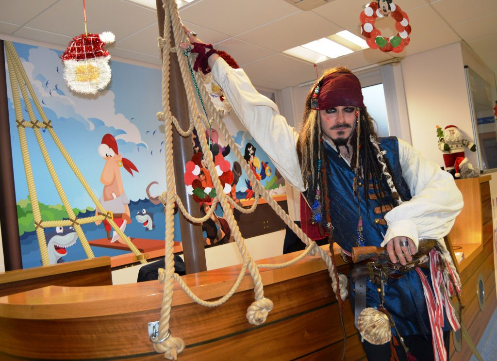 Captains Jacks Christmas Surprise For Young Hospital Patients Blackpool Teaching Hospitals