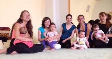 Танци и лекции за майки с бебета