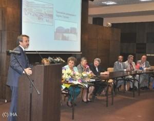 tu-rektoru-bulgaristandaki-konferansda-onursal-baskan