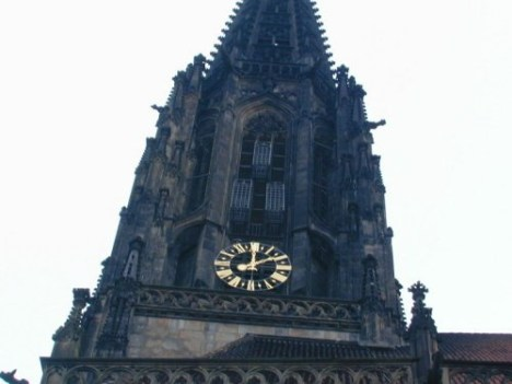 3 famous cages on the tower of the 'Lamberti' church